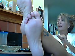 Hot Lady and her sexy Feet 2