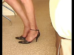 Natasha in FF Stockings shows her sweety nyloned feet