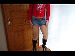 dwt - trap - tv nutte - hotpants - beine - boots - stiefel