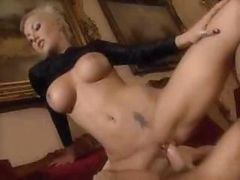 Hot Blonde Babe Gets Hardcore Pounded As He Fucks Her Well