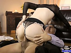 milf in stockings riding cock furing ffm