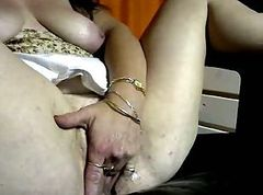 Mature Wet play on cam