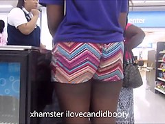 jiggly ass ebony gilf in booty shorts