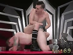 experimental gay sex in an acrobatic 69, axel abysse inserts
